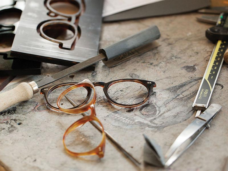 About Oliver Peoples